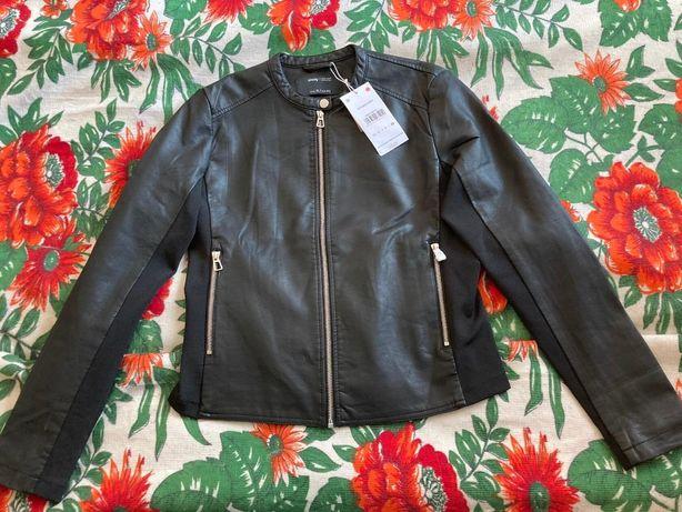 Продаю куртку кожаную женскую новую