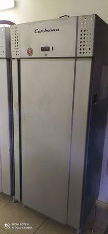 Холодильники промышленные в количестве 4 штуки В не рабочем состоянии