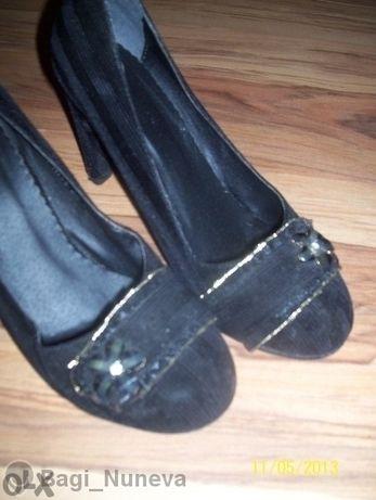 Елегантни велурени обувки на ток-38 номер