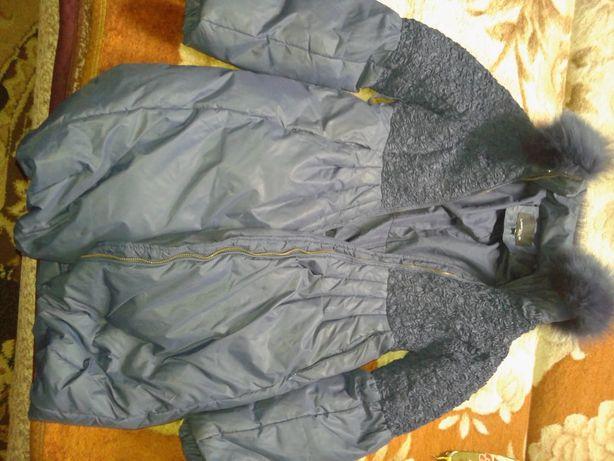 Продам зимнию женскую куртку.