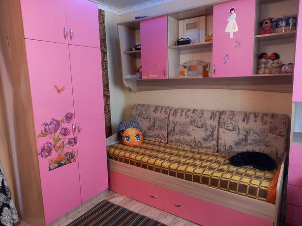 Спальный уголок для девочки