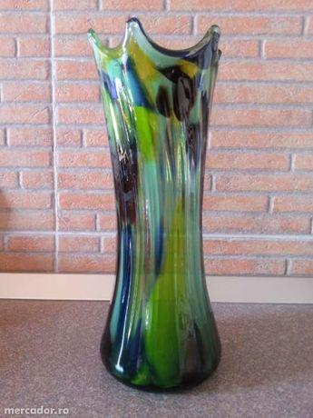 Vaza din sticla de Murano.