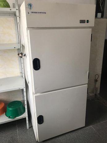 Продам промышленный холодильник