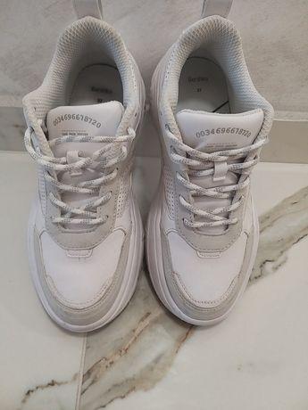 Обувки BERSHKA 37номер