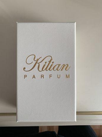 Kilian Parfum playing with thy devil by kilian