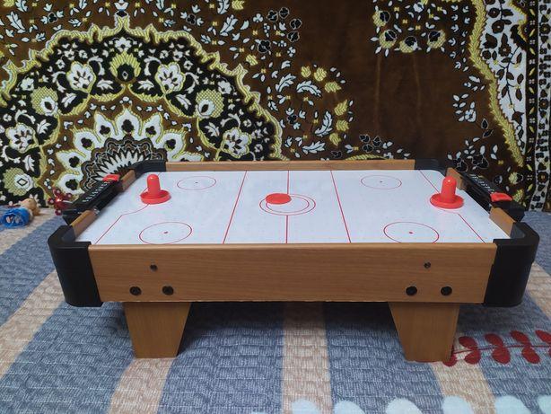Продам настольный хоккей