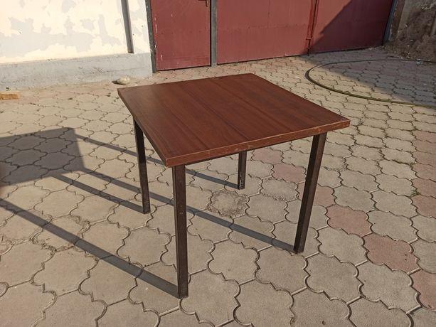 Продам столы прочные Срочно