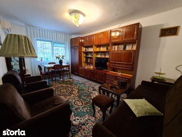 Far-Bd 1 Mai Apartament 3 Camere Cu 2 gr Sanitare Centrala Gaze Et 1