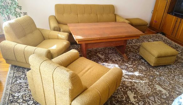 Холна гарнитура - разтегателен диван, два фотьойла и две табуретки