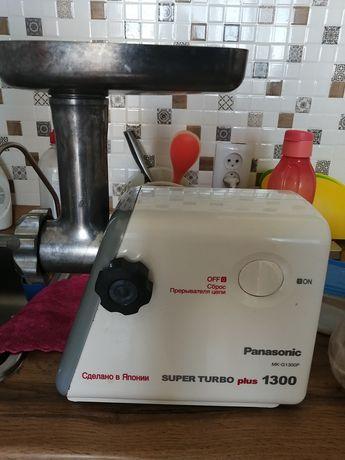 Электромясорубка Panasonic 1300