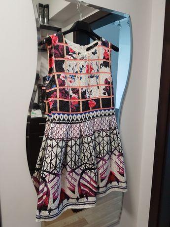 Нова!Дамска рокля Elisabetta Franchi