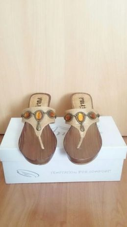 НОВИ дамски обувки 35 номер