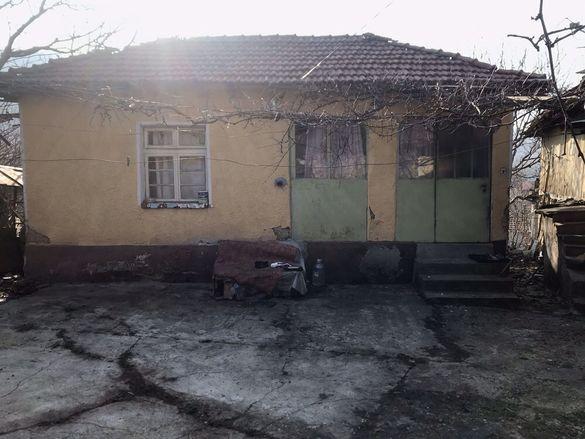 Продава Къща, с.Малиново
