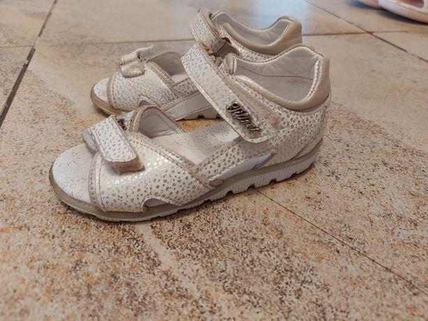 Детский обувь для девочек