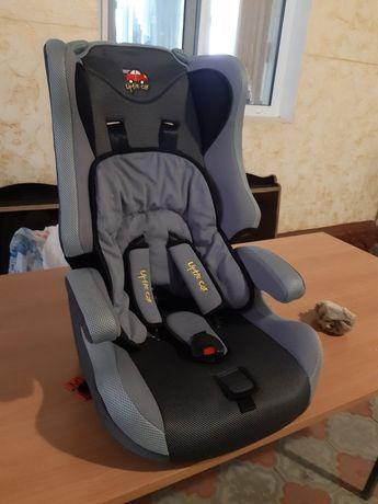 Продается новый  Авто кресло детское  в упаковке