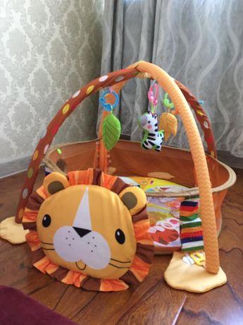 Детский развивающий коврик «Львёнок».