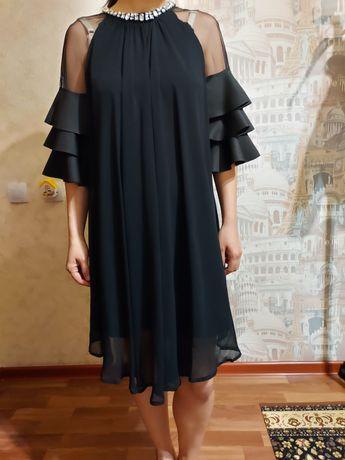 Продам платье со стразами сваровски