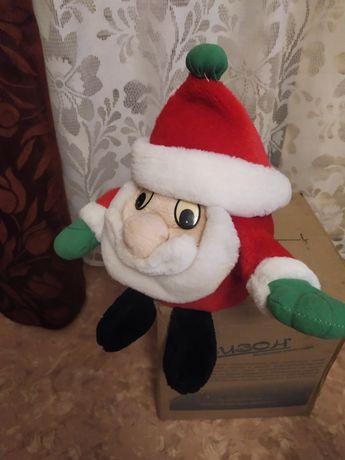Санта Клаус,мягкая игрушка,состояние новой,был привезён из Кореи.