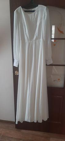 Недорого!!!Продам свадебное платье. 44-46 размер