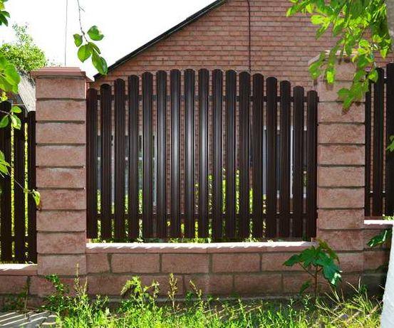 Garduri si porti din sipca metalica, fier forjat, tabla, BCA, plasa