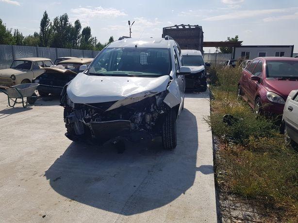 Dacia dokker lovit avariat