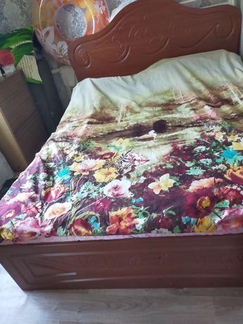 Продам двухспальный кровать.почти новый