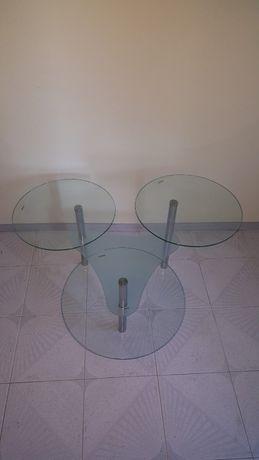 Продавам стъклена маса
