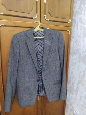 продам пиджак в хорошем состоянии