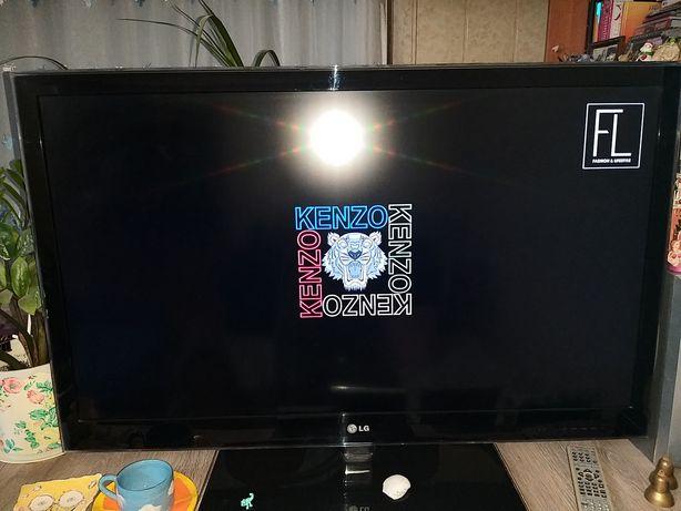 Продаеться Телевизор LG  б/у без WI-FI