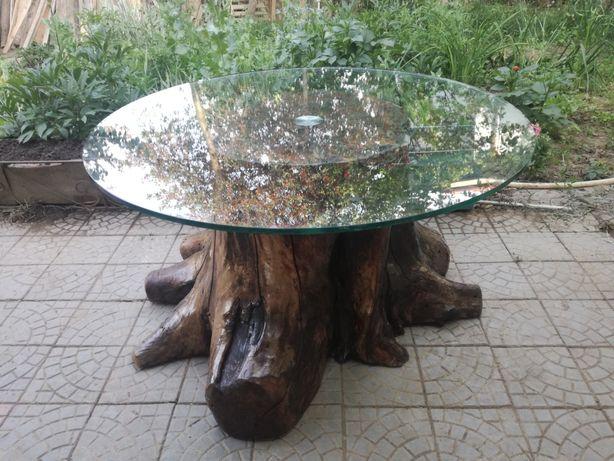 Masa din trunchi de nuc