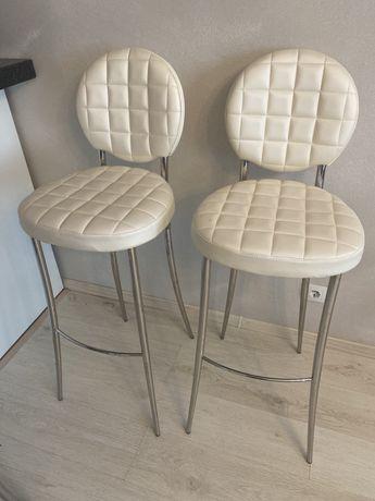 Барные стулья по 20 тыс