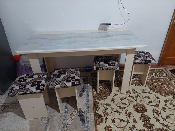 Кухонный стол +6 табуреткаларымен