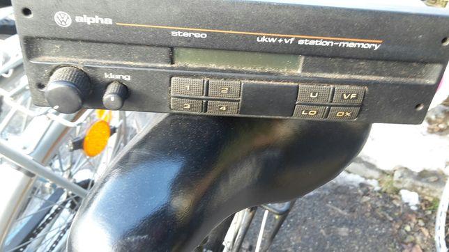Radio pentru cunoscători.