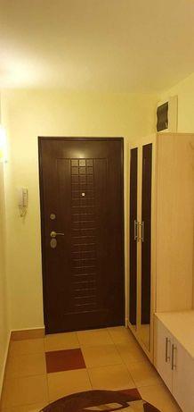 Apartament de 3 camere primitor, calduros si comfortabil