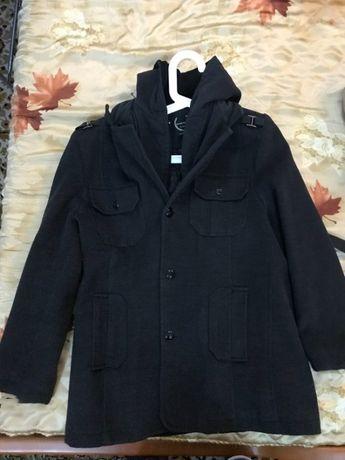 Мъжко палто с качулка