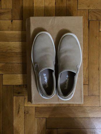 Продавам дамски спортни обувки Timberland ,Puma и др