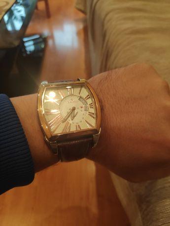 Часовник Daymond Rene