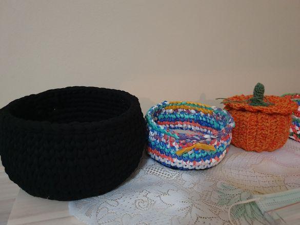 Ръчно плетени панери и  други.Калъфи за възглавници