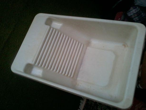 стиралка в ванную.удобно стирать.пластик.