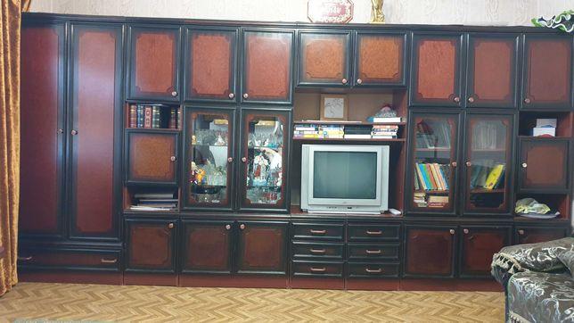 Продам стенку в зал гостиную в очень хорошем состоянии