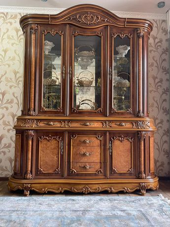 Мебель горка в отличном состоянии