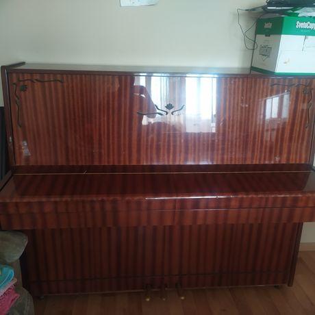 Продам пианино...