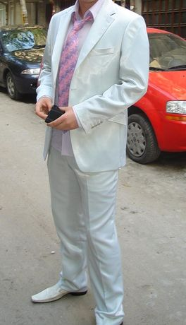 Мъжки костюм ,риза ,вратовръзка и официални обувки от естествена кожа.