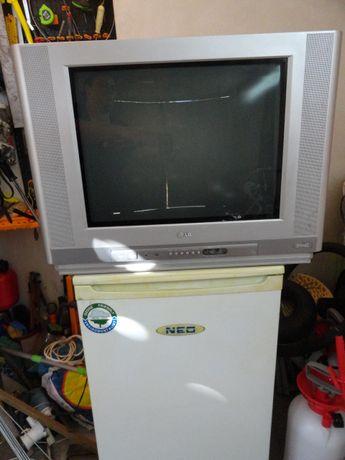 Хладилник NEO телевизор LG.
