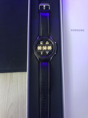 Samsung Galaxy Watch 3 (45mm)+ Беспроводная зарядка Samsung Duo