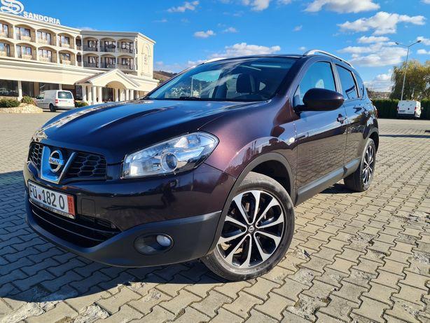 Nissan Qasqai~Tekna~4x4~Navi~Panorama~Euro 5