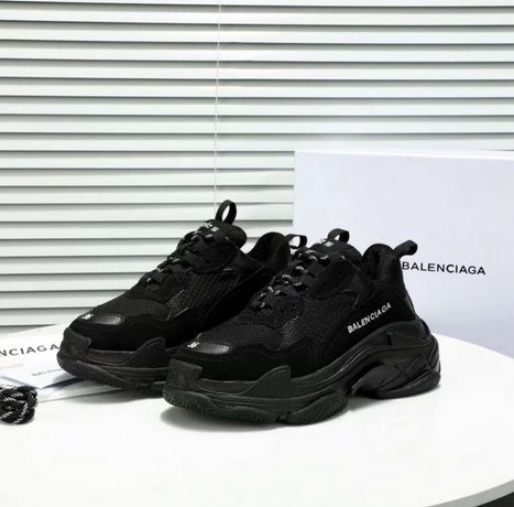 Balenciaga Triple S Black