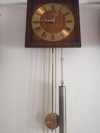 Vând sau schimb ceas cu greutăți Hermle