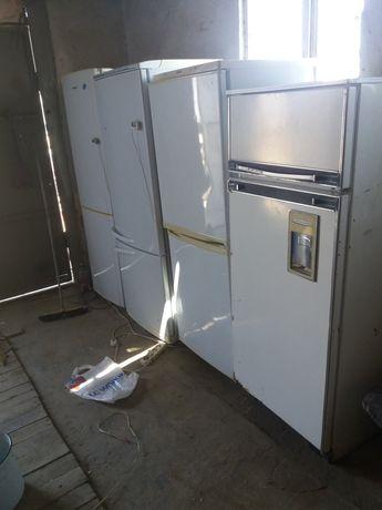 Холодильник б/у Норм.