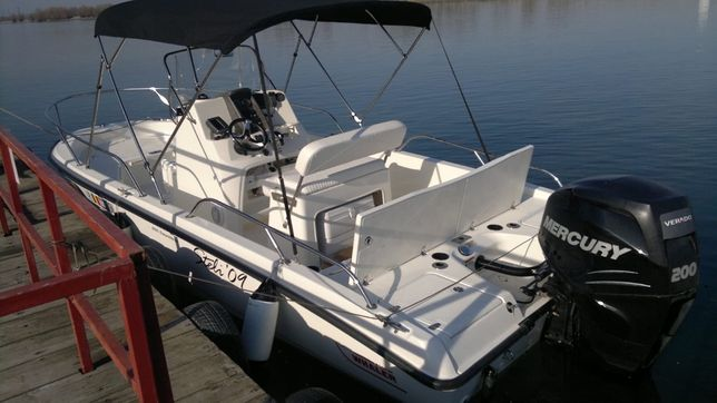 Vand barca BOSTON WHALER 200 Dauntless (stare exceptionala, pret neg.)